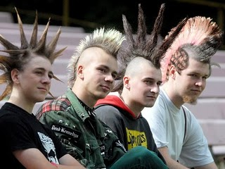 70 S Punk Fashion And Its Influences Clothing Hairstyle Art Of A Punk Media Culture